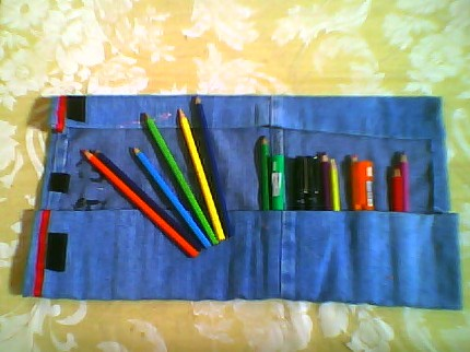 Nyunyu's Jeans Pencil Roll